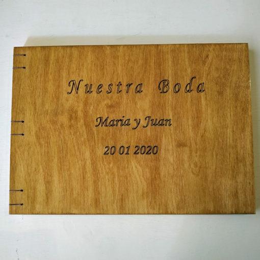 libro de firmas en madera