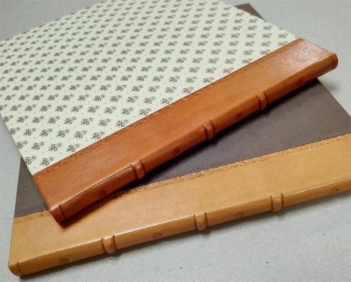 Libro firmas en lomo de piel decorado